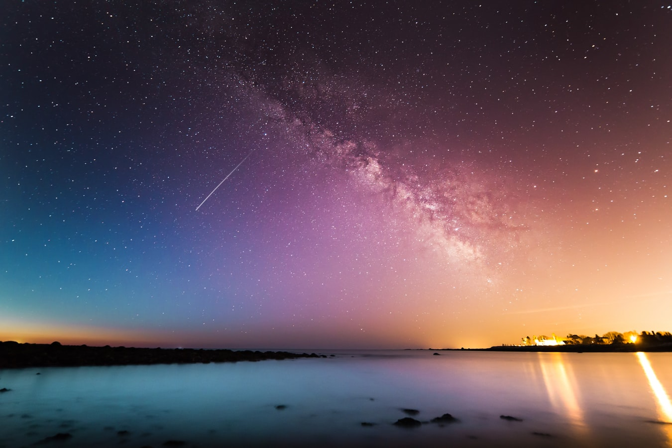 ファンタジーのような美しい夜空