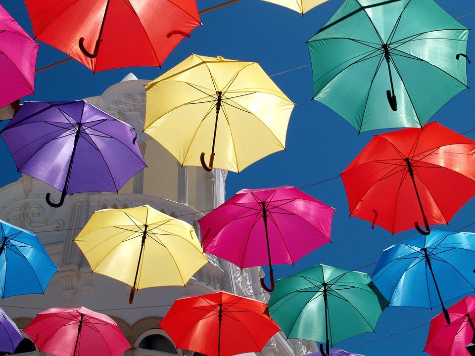 雨の日も紫外線は降り注ぐ!今から始める紫外線対策術