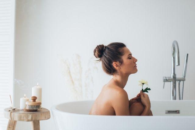 だるさと疲れが取れない日々に、身体の芯まで温まる4つの入浴方法