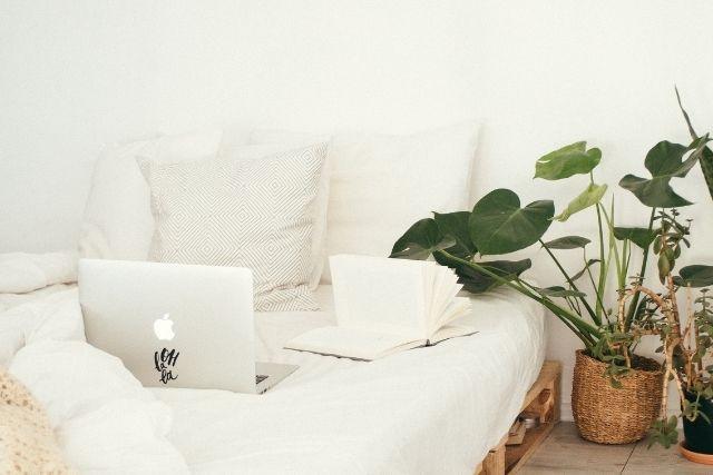 白くておしゃれな部屋