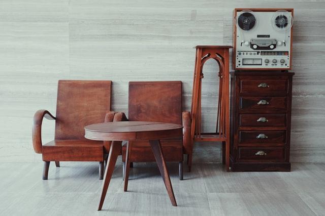 レトロなお部屋づくりにおすすめの家具5選