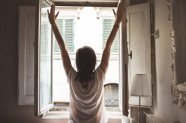 朝のコーヒーは起床直後に飲んでいい?素敵な目覚めとコーヒーの関係