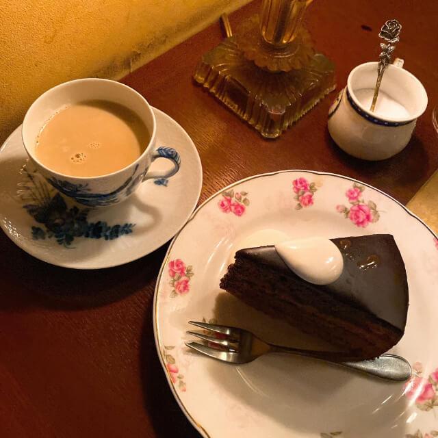 〜名古屋・栄駅近くの夜に行きたい隠れ家のような雰囲気のレトロなカフェ4選〜