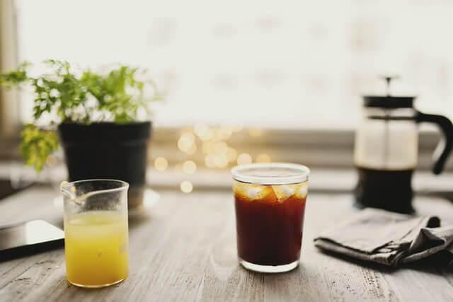 フレンチプレスでアイスコーヒーを楽しもう!水出し・ミルク出しの方法も紹介