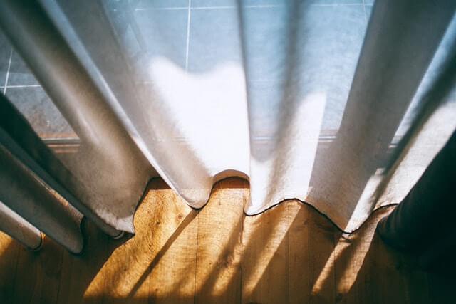 すだれや遮光カーテン