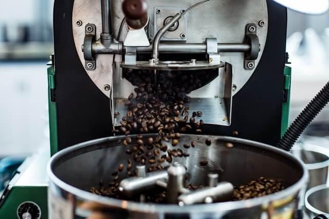 アイスコーヒーは深煎りが多い